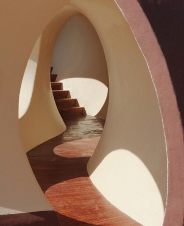 Antti Lovag- Gaudet House by #ELIZABETHandJAMES #CathumanInspiration