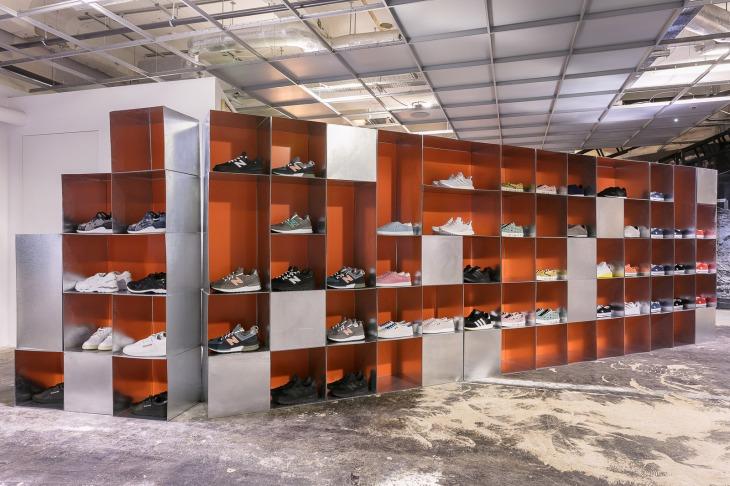 1707_sneaker_space